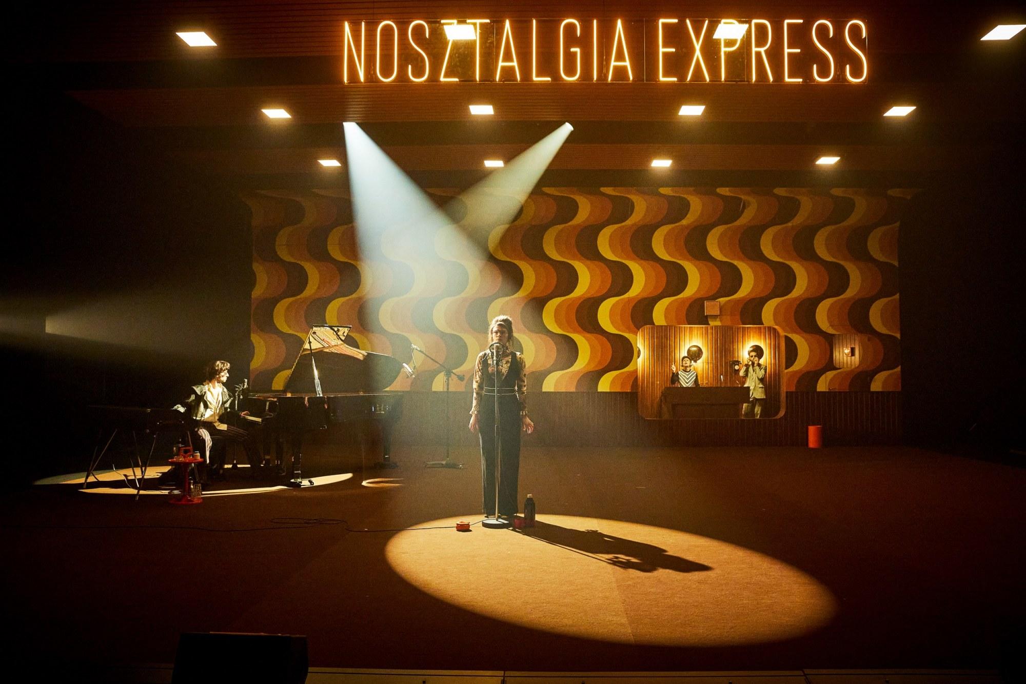 Nosztalgia Express © Christophe Raynaud de Lage